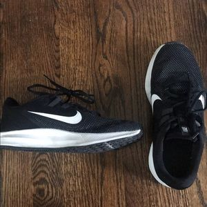 Nike tennis shoes, size 7